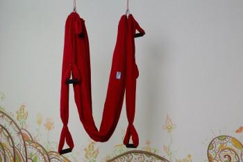 Гамак для йоги красный