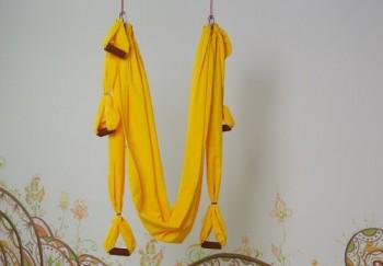 Гамак для йоги желтый