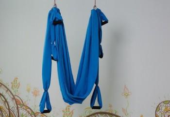 Гамак для йоги голубой